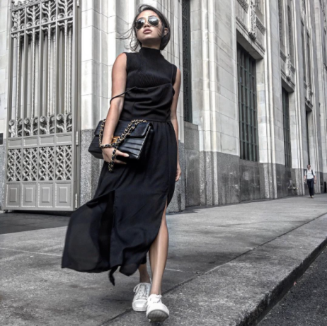 Jeanne Grey (@thegreylayers) in the Ambitious Top